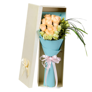鲜花/任意依恋: 11枝香槟玫瑰,6枝桔梗,黄英唯美搭配  [