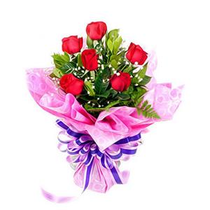 鲜花/俏佳人: 6枝红玫瑰  [包 装]:紫红色绵纸精美包装