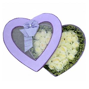 鲜花/想你的夜半时分: 33枝白玫瑰  [包 装]:精美心形礼盒(礼