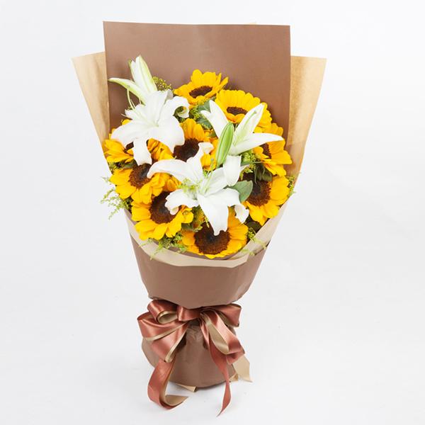 鲜花/父爱永恒: 9朵太阳花、3朵百合花  [包 装]:咖色、