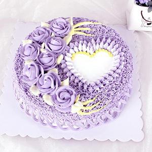 蛋糕/布达佩斯之恋: 圆形奶油蛋糕,选用新鲜奶油、原味戚风蛋糕胚